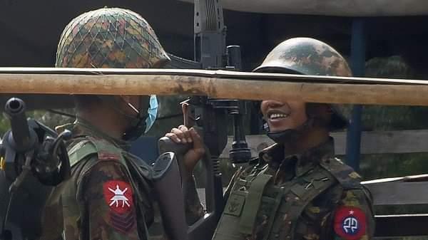 মিয়ানমার সামরিক বাহিনীর পেইজ মুছে দিলো ফেসবুক